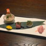 舎人庵・とんぼ - 飛騨牛彩り寿司3貫盛
