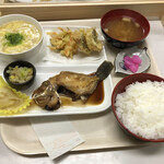 六ツ美食堂 - 日替わりランチ500円!