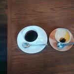 喫茶 アカリマチ - アカリマチブレンド、プリン