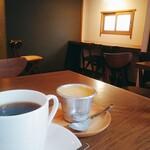 喫茶 アカリマチ - 珈琲、プリン、内観