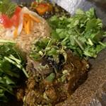 kyuuyamutei - ⚫︎揚げナスとミョウガのクミンぽん酢のせ、豆乳仕立ての南瓜とヒヨコ豆の和風ポークキーマ