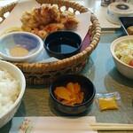 ビューレストラン スカイライン - 料理写真:定食全景。コスパは良いと思います