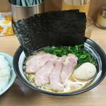 武蔵家 - 料理写真:特別ラーメン 1000円