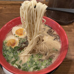 豚骨拉麺酒場 福の軒 - 麺