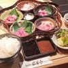 若葉亭 - 料理写真:本日の彩り五種盛りランチ…2480円(税込み)