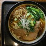 麺乃家 - 麺乃家らーめん元味(750円、真上から)