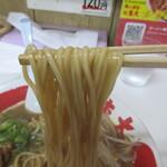 144362411 - 麺は細麺ストレート♪
