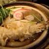 渋谷 更科 - 料理写真:鍋焼きうどん 海老天・どんこ・紅白かまぼこ・たけのこ・お麩・ねぎ・たまご・ナルト・三つ葉と具沢山は鍋焼きうどんらしくて良いです。 汁が濃い味で、関東の鍋焼きはこれじゃなきゃです♪