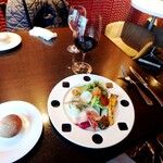 フレンチ ビストロ lemidi - 前菜7種&グラス赤ワイン&プティパン