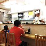 お食事処 さくら - 2012/08/XX ご家族全員で地魚丼、+手作り魚メンチカツだとか。