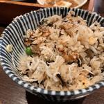 釜めし菜時記 菜つ屋 - 定番釜飯ランチ(しらすと桜えび)