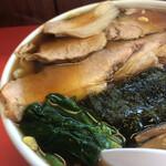 栄楽 - チャーシューワンタン麺(UP)