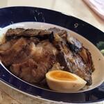 フッカーズ - 料理写真:燻製ロース丼