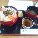 まつおか - 海鮮丼¥1,200