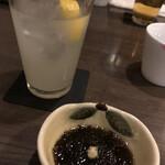 麦酒庵 - 先付のもずく酢