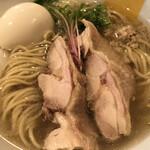 144433480 - 生姜の香りと辛味が効いたスッキリ鶏ガラスープと柔らか鶏チャーシュー!