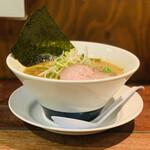 麺屋 ほぃ - 料理写真:ラーメン