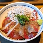 新橋魚金 高田馬場店 - ぶりしらす丼定食