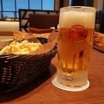 レイールBAR - 料理写真:ビール&ポテト(((*≧艸≦)ププッ