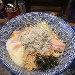 東京煮干屋本舗 - 大盛りの魚介神 油そば('21/01/14)
