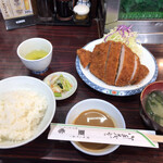亜希 - とんかつ定食 ろーす(1,250円)