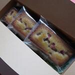 メゾン ド フルージュ - 苺とピスタチオのフィナンシェ(3個入り) 886円