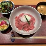 居酒屋 たぬき - [ランチ]ローストビーフ 丼