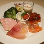 ikebukuro LA BETTOLA da Ochiai - 前菜の盛り合わせ