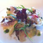 海辺のレストラン ラ・プラージュ - カマスの炙り、サラダ仕立て