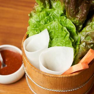 女子にも人気✨珍しい「巻き野菜食べ放題!」&ドリンク