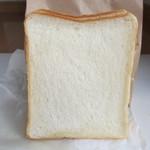 14449764 - 角食パン
