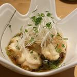 酒彩蕎麦 初代 - 大根餅の上に白子の天ぷらが3個乗ってました。