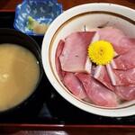 北野水産 - ぶり丼 968円
