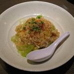 たかの家 - 焼き鮭と海老のレタスチャーハン(680円)