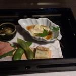 鍋と旬菜と京料理 花柳 - 食前酒と八寸