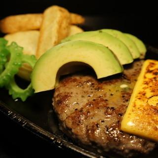 選りすぐりの肉で作る、最高のハンバーグがこちら!