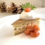 レグリーズ・鎌倉 - サーモンのマリネとクリームチーズのショートケーキ