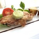 レグリーズ・鎌倉 - じっくりと焼き上げた若鶏もも肉のポワレ 柚子胡椒バター