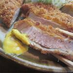 とんかつ藤 - 辛子で食べるのが一番美味しい