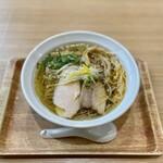 鶏蕎麦かかし - 料理写真:鶏塩そば