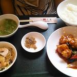 中国料理 東方美人 - 酢豚ランチ1000円
