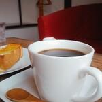 べーかりーかふぇ 伊勢屋 - コーヒーは飲みやすい こくにがブレンド