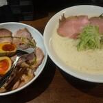 喜蕎麦司 きし元 - 料理写真:出し蕎麦 味玉ローポー丼ハーフ