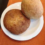 ビストロ プティル - 自家製パン