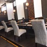 Restaurant AQUA Table - 店内