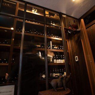 グラスワインは約300種からセレクト!