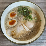 煮干しラーメン にぼってる - 料理写真:■味玉背脂しょうゆ¥850