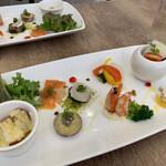 ビストロ ファヴール - 料理写真:前菜は 全てのコースに ついてきます