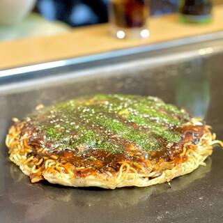 お好み焼き てっちゃん - 料理写真:てっちゃんモダン焼き(1,050円)