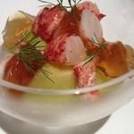 スゥリル - 料理写真:オマール海老とメロン、ヴァニラ薫るスープ仕立て